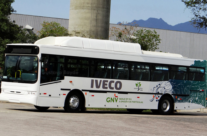 Iveco Urbanway CNG-powered bus equipped with Luxfer cylinders