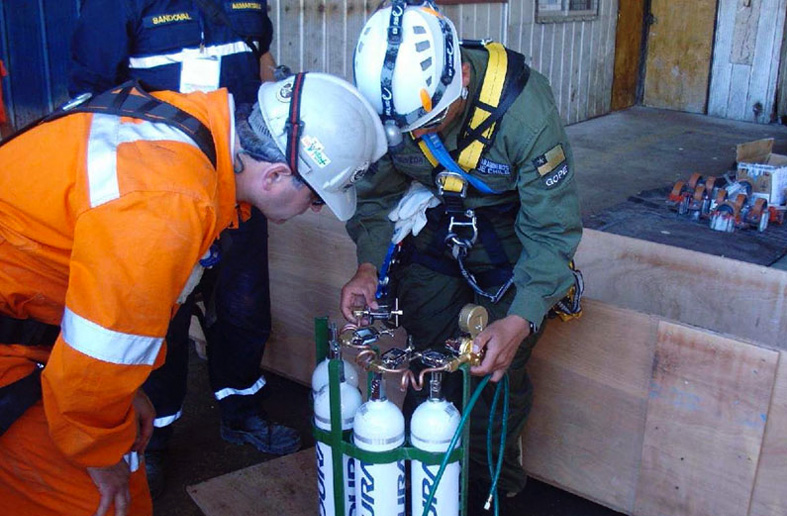 These Indura oxygen cylinders, manufactured by Luxfer Gas Cylinders from the companys patented, higher-strength L7X aluminum alloy, were used in the successful rescue of 33 trapped miners in Chile